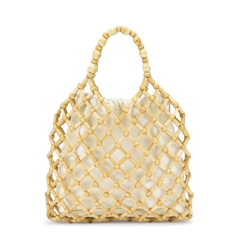 Sustainable straw bags for summer