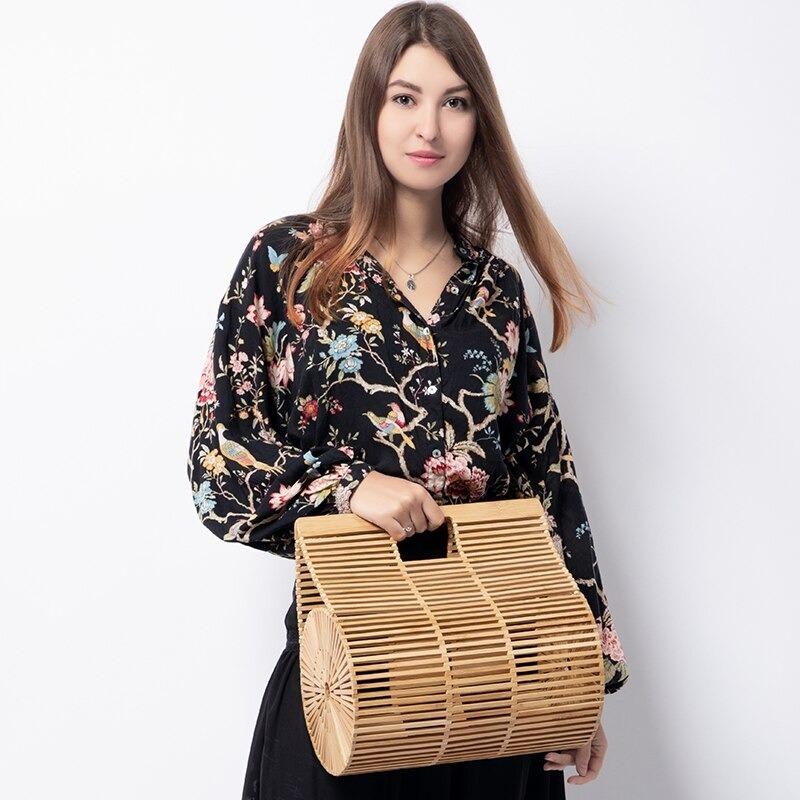 When straw tote with zipper top