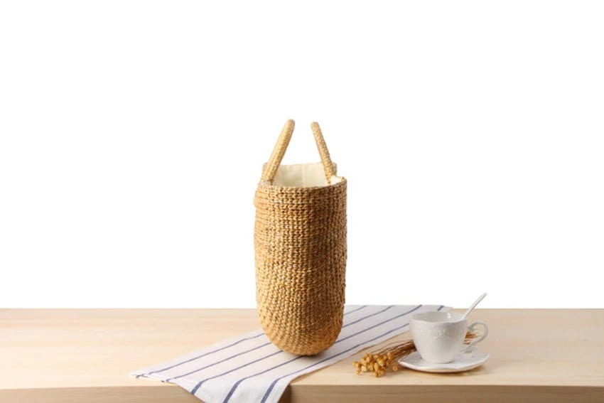 Bamboo black straw bag 2021