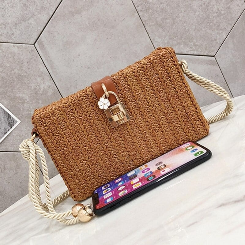 Chain rattan crossbody bag