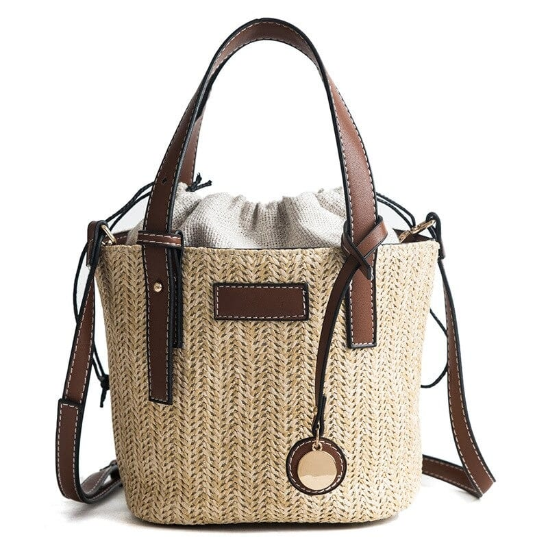 Large straw bags for spring 2021