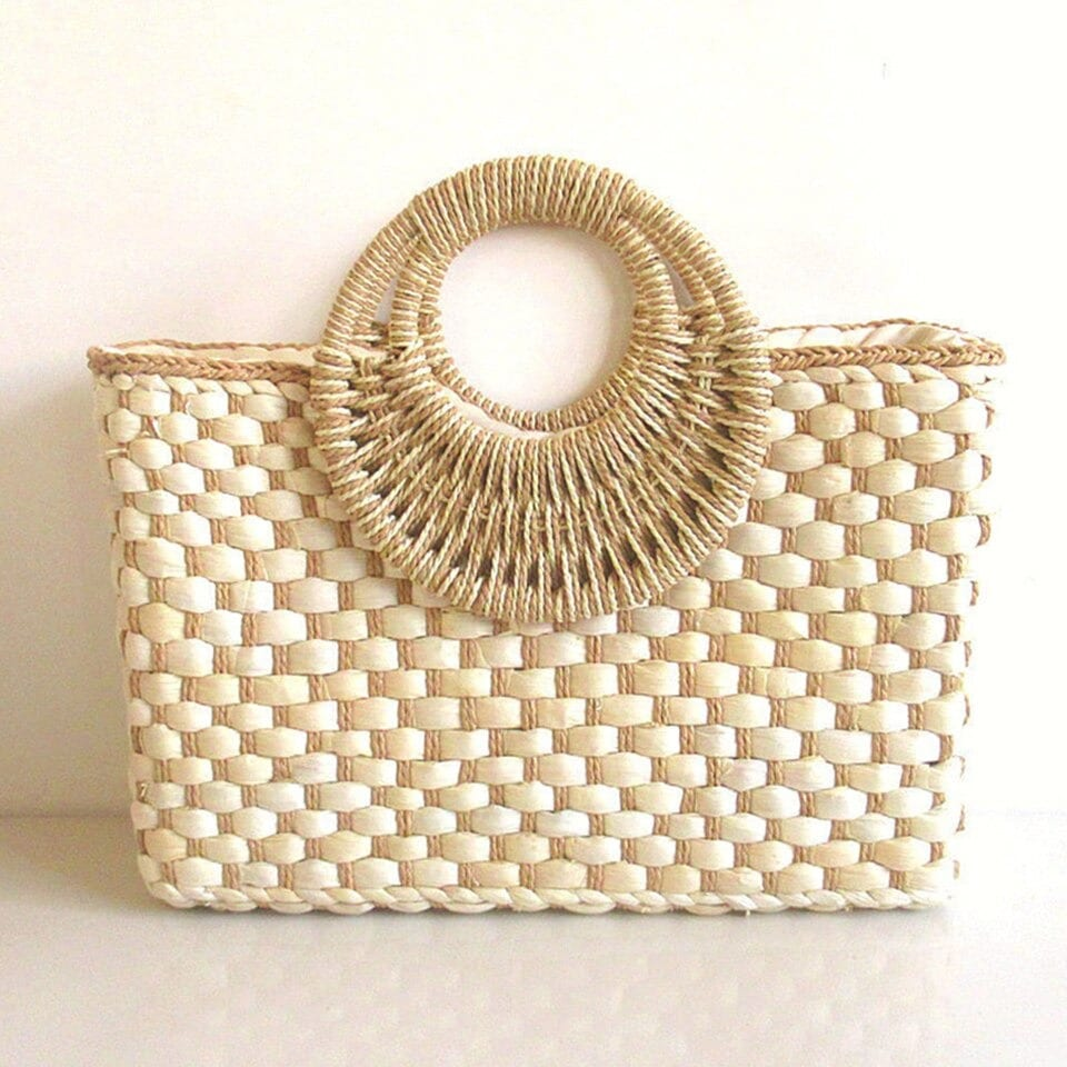 How bamboo straw belt bag