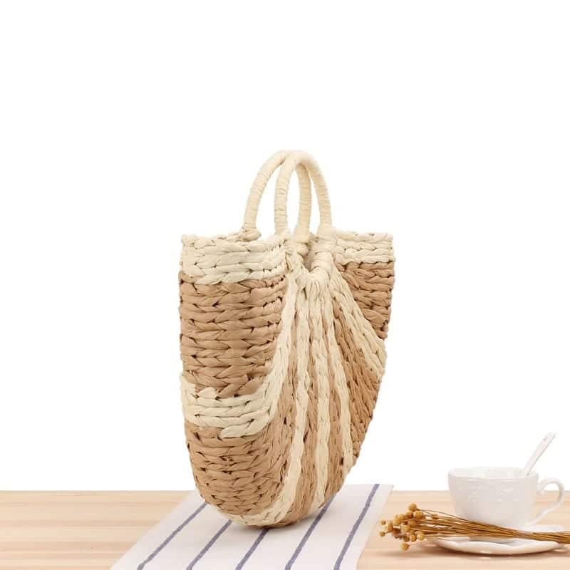 Where straw market bags clutch