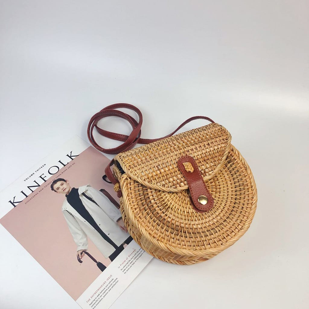 Why soft straw bag with leather handles best
