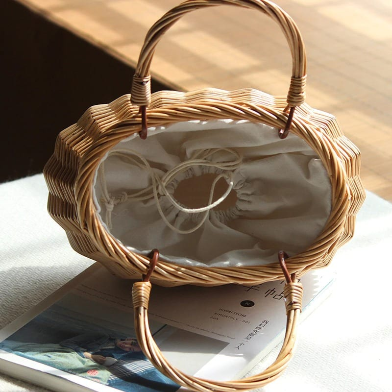 How holiday round rattan bag top