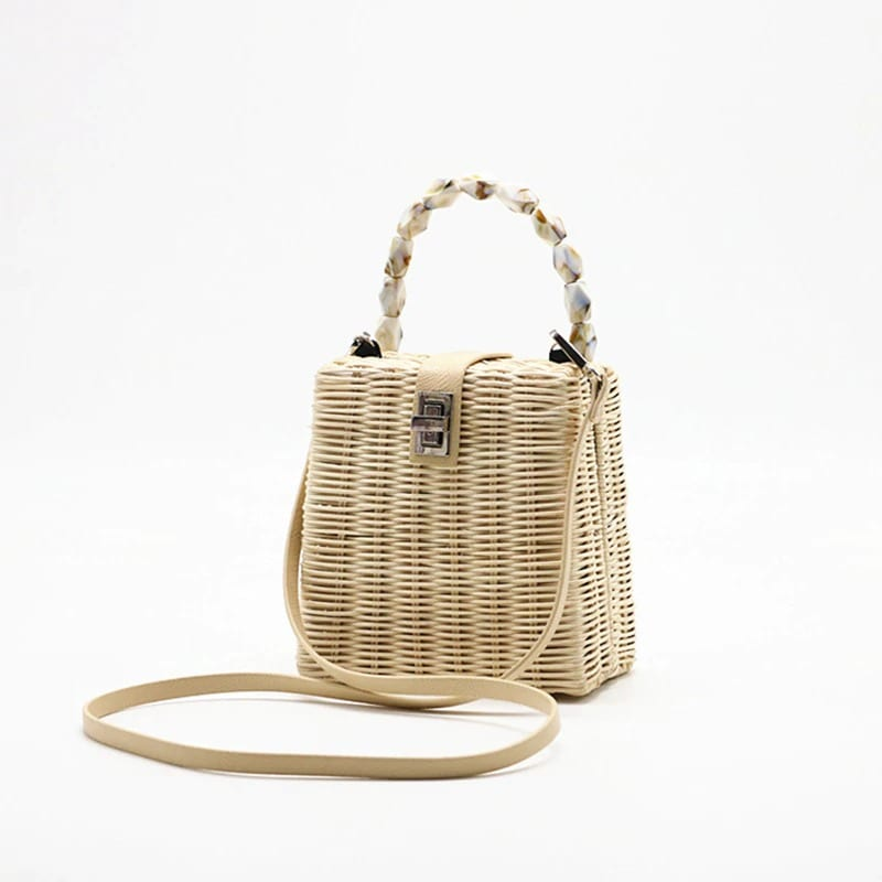 Where mango straw handbag top