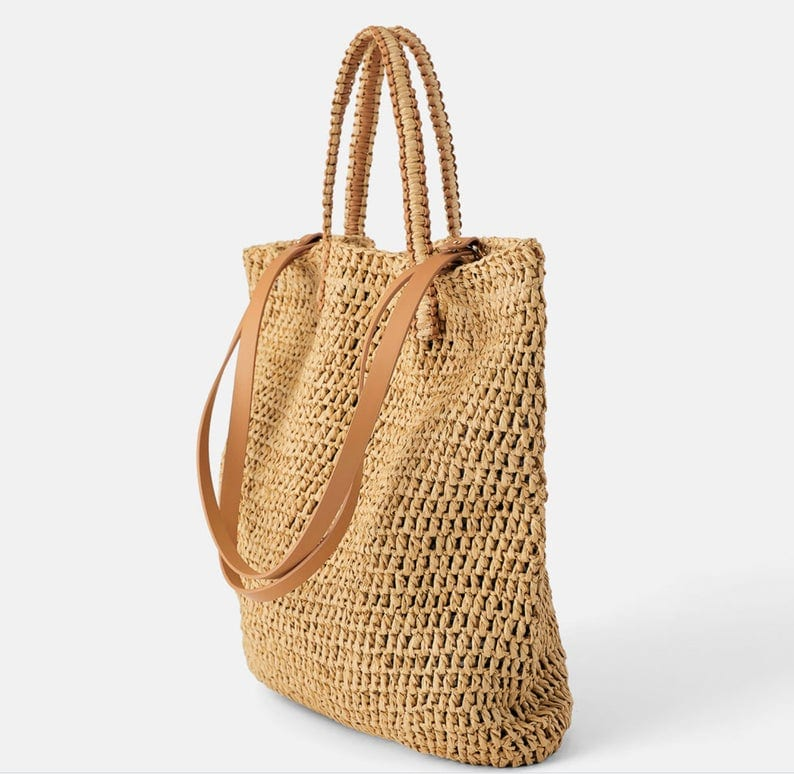 Wicker tote bag leather handles top