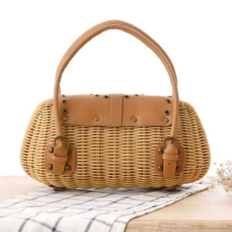 Crossbody wicker beach bag