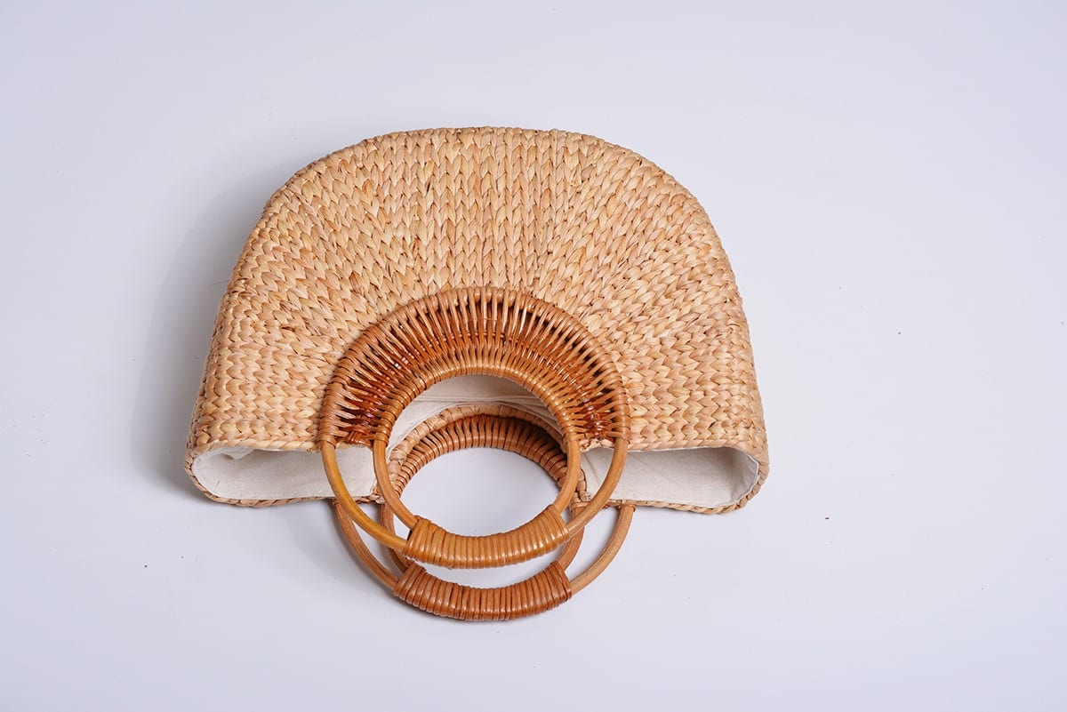 How many rattan wicker clutchs top