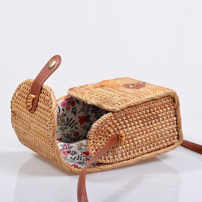 What handicaft straw beach bag
