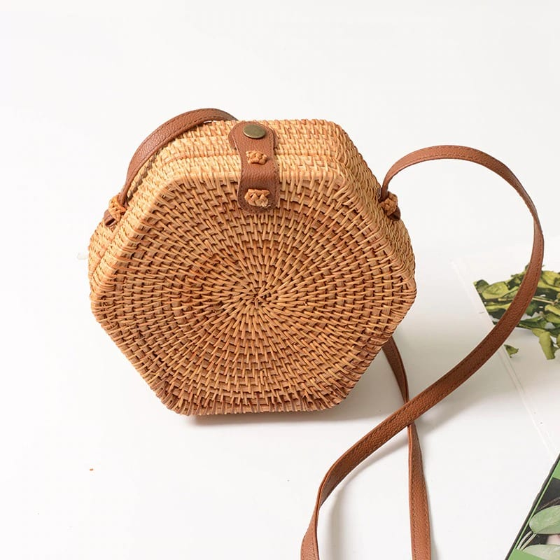 Woven leather handbags for spring 2021