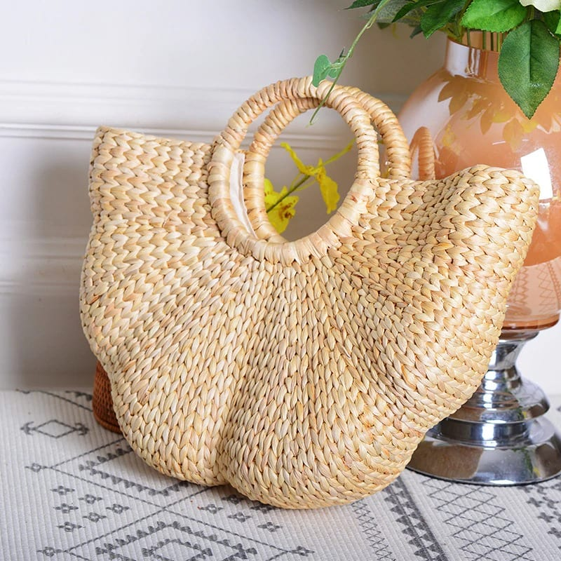 Vacation wicker clutch
