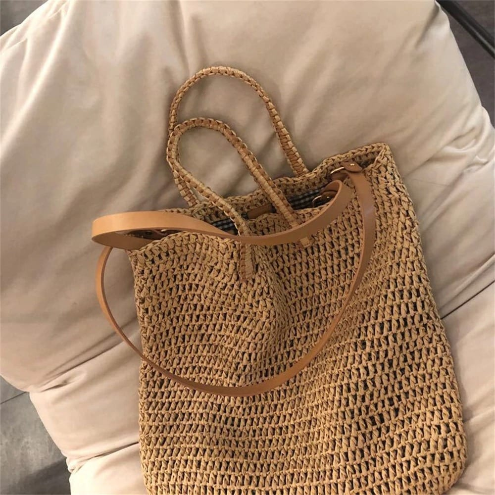 Luxury round rattan bag top