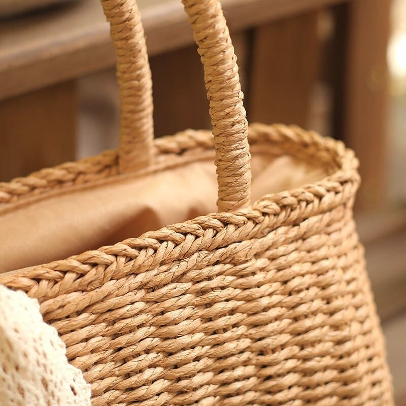How many wicker purse with zipper