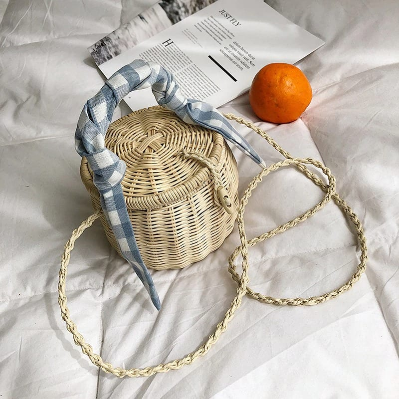 How many mango summer straw purse better