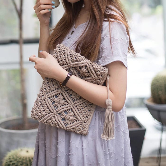 How long circle designer straw bag