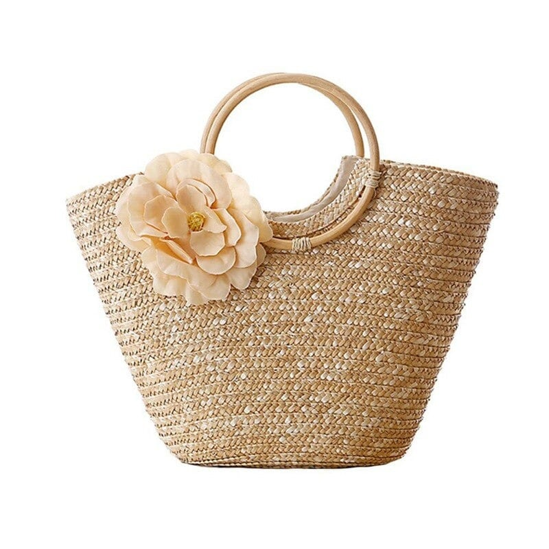 How many straw and leather handbags clutch