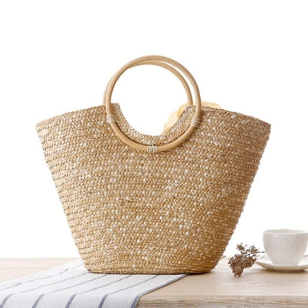 How much straw basket bag leather handles suggest