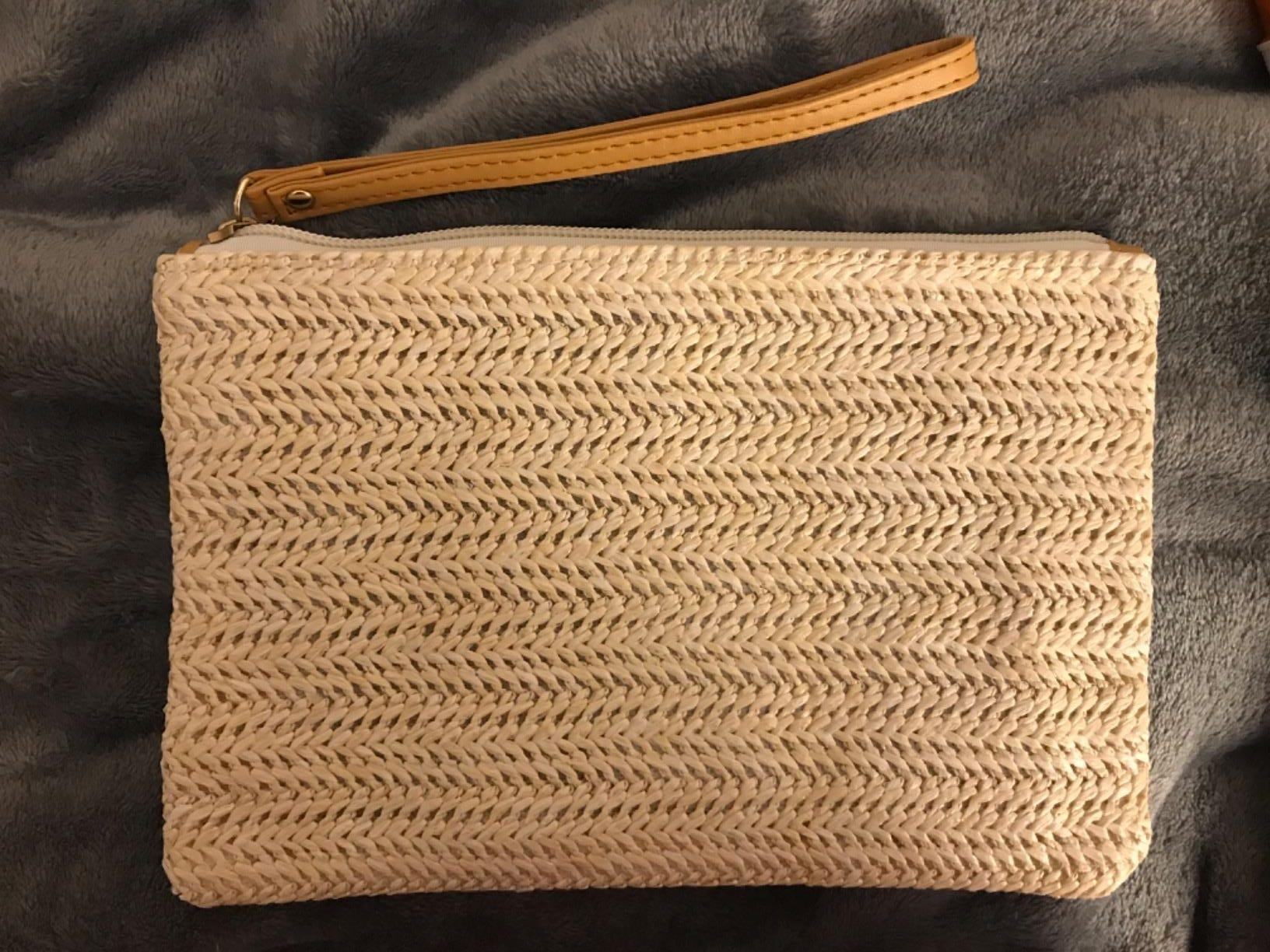 Where basket straw clutch bag better