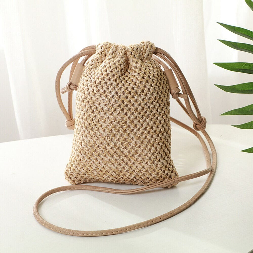 Solid straw hobo bags