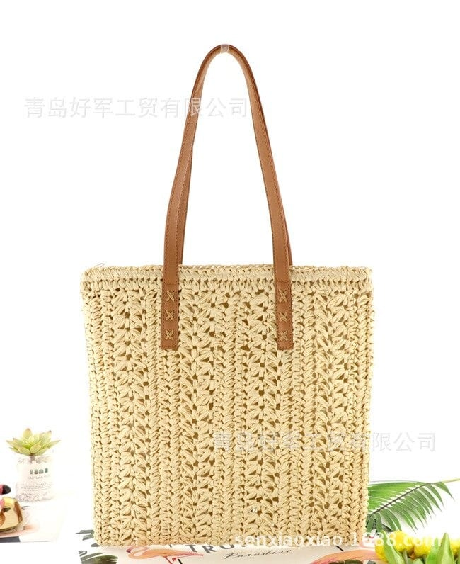 How round straw purses summer 2021