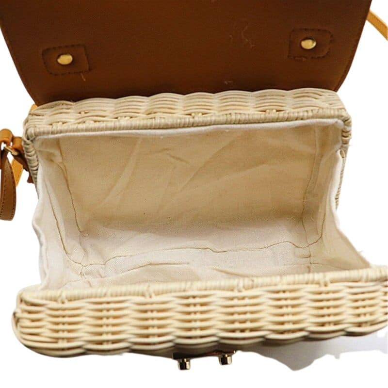 Small straw handbag for summer recomment