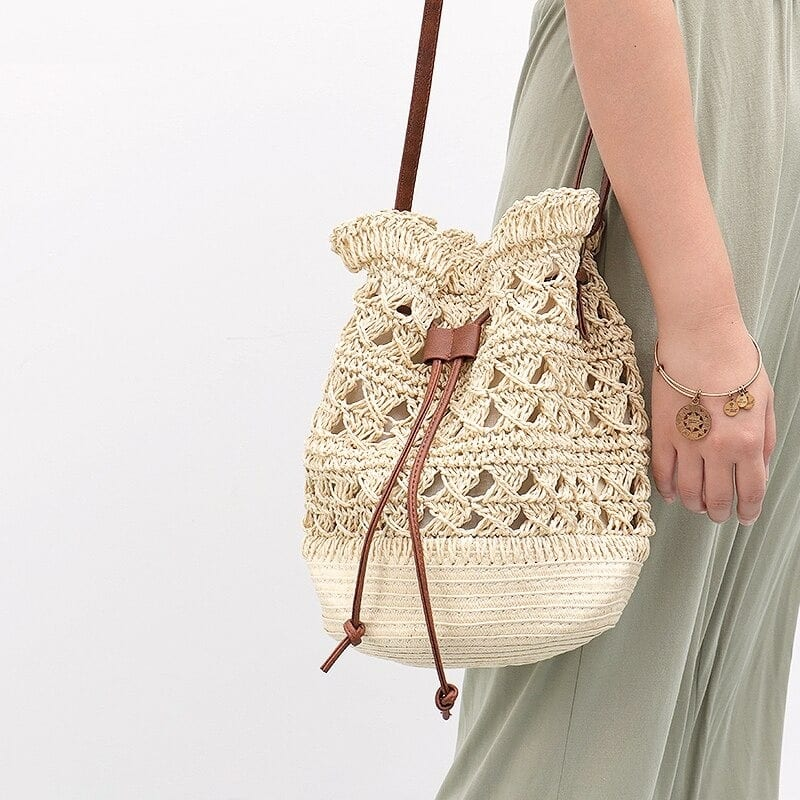 Casual straw beach tote