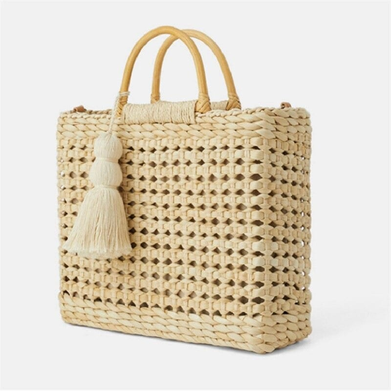 What market round rattan bag better