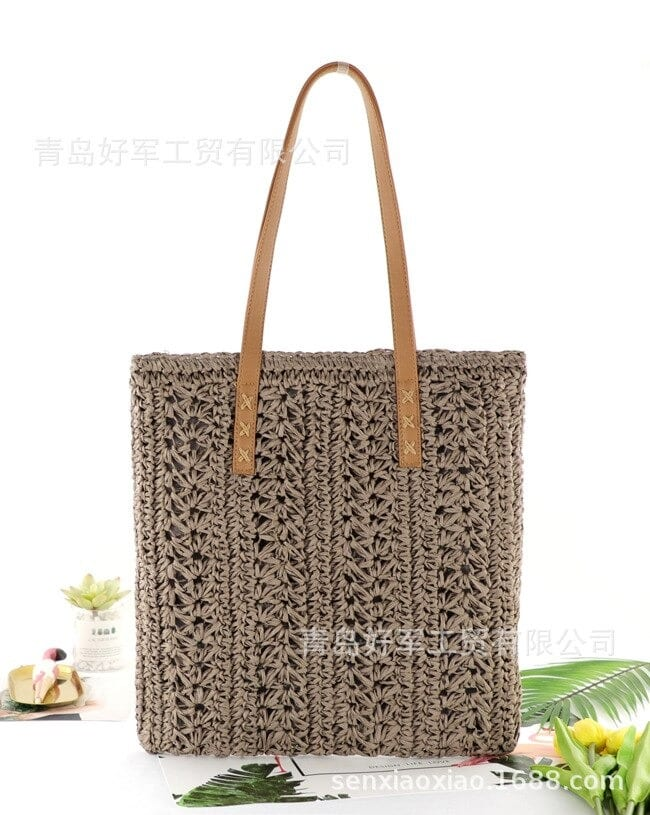 Which travel round straw bag