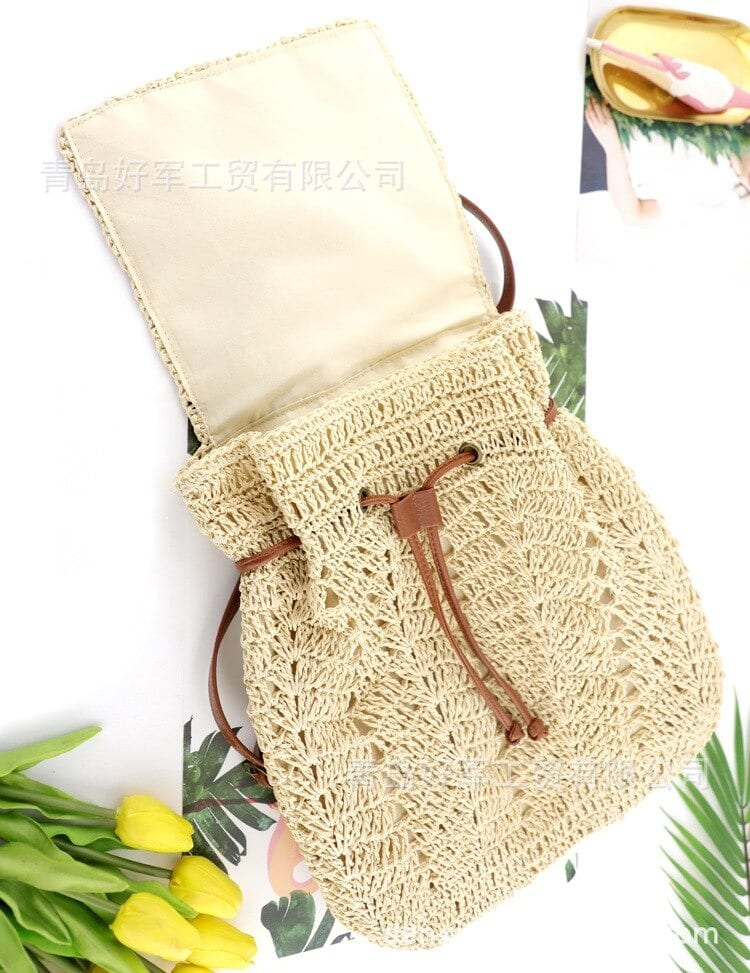 How many large straw bags and totes value