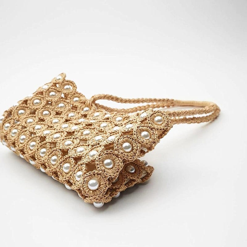 Straw clutch with zipper