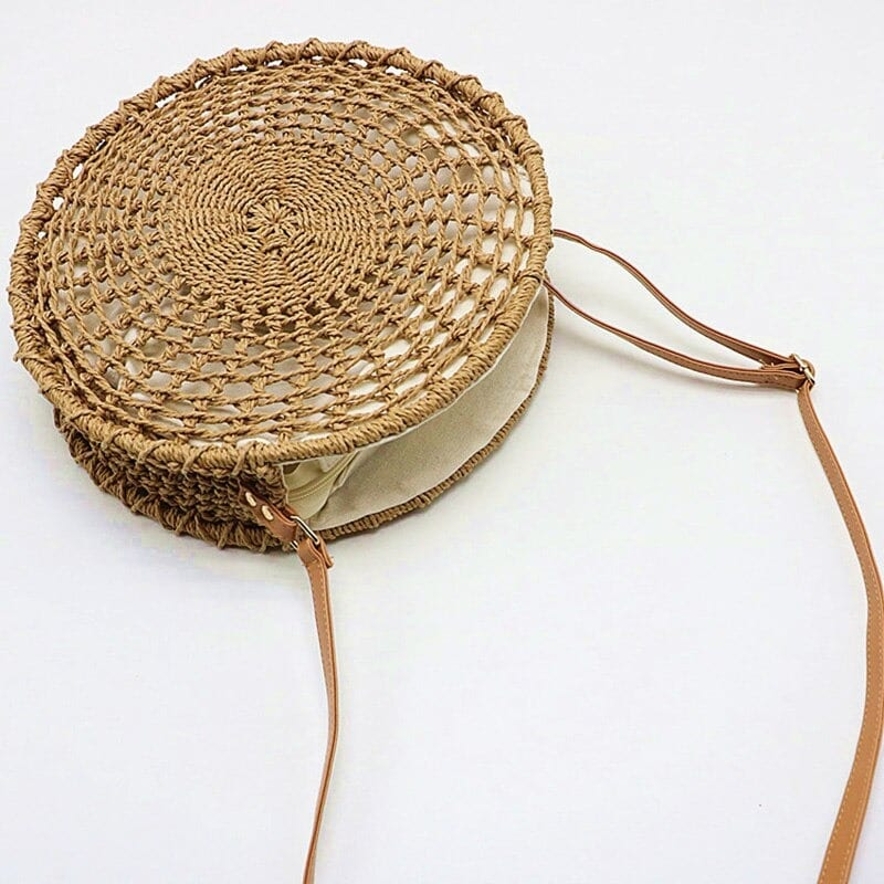 Which best summer wicker clutchs better