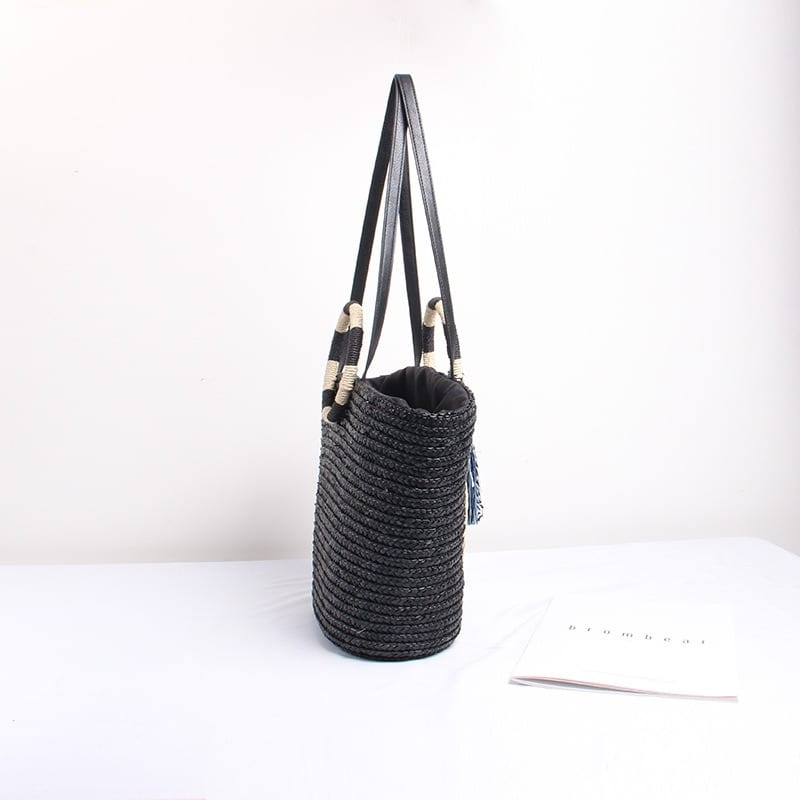 Handle straw backpack