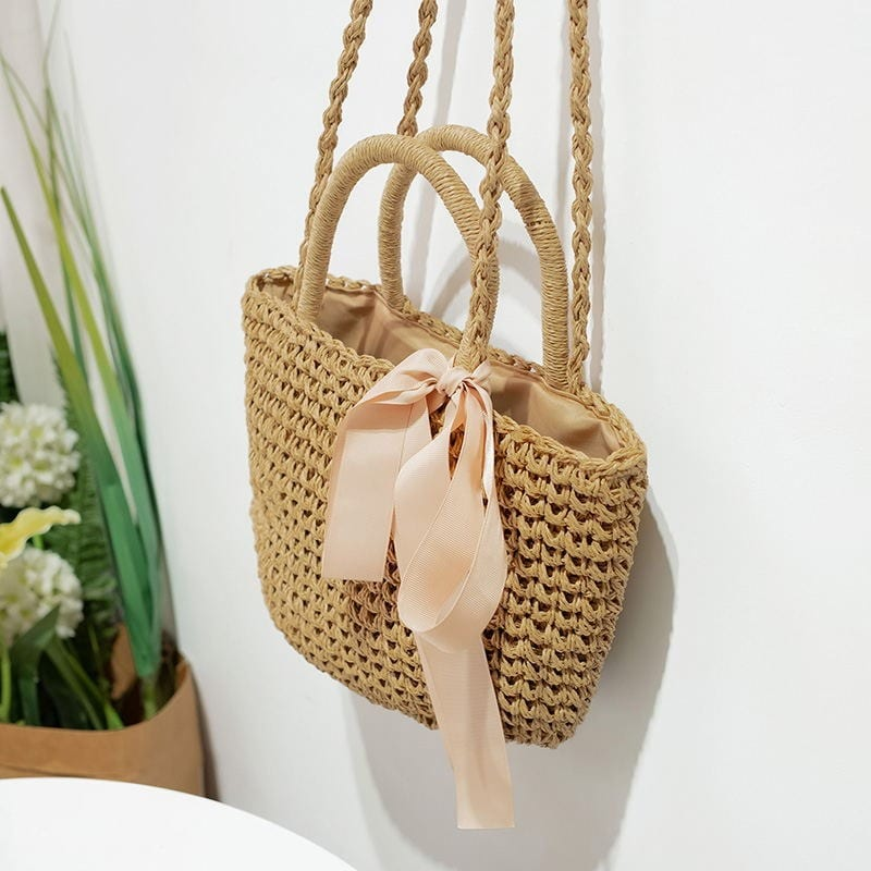 What woven straw belt bag top