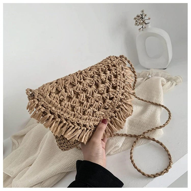 When circle straw bag with leather handles 2021