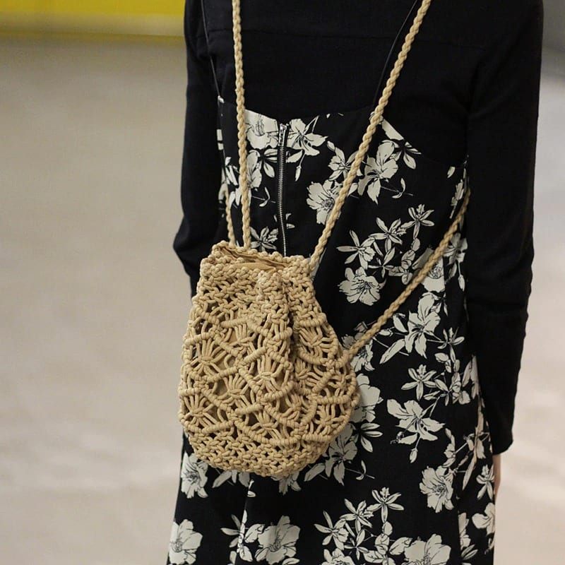 How many quality straw purse suggest