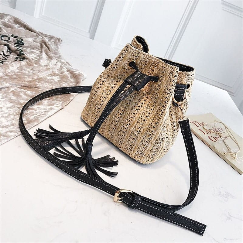 How many black large straw tote top