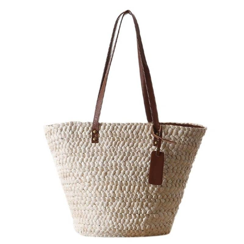 Wicker tote bags in bali