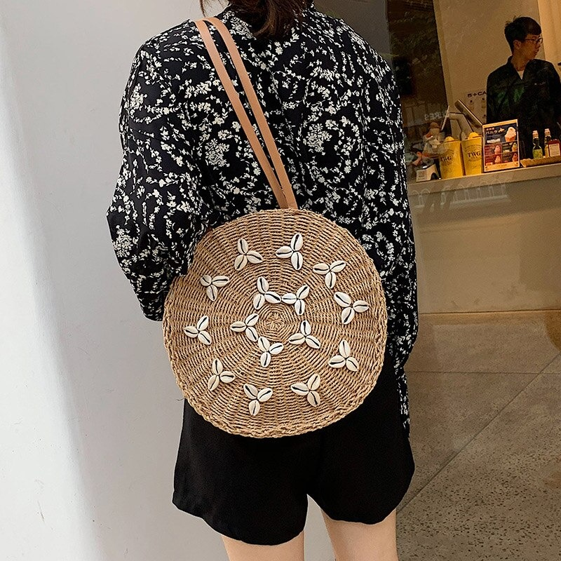How straw basket bags clutch