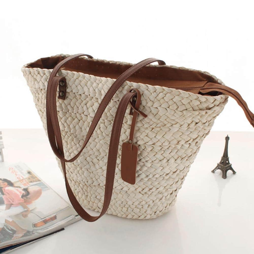 Market straw clutch bag