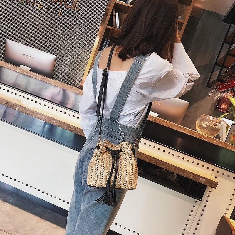 Straw tote handbags for spring